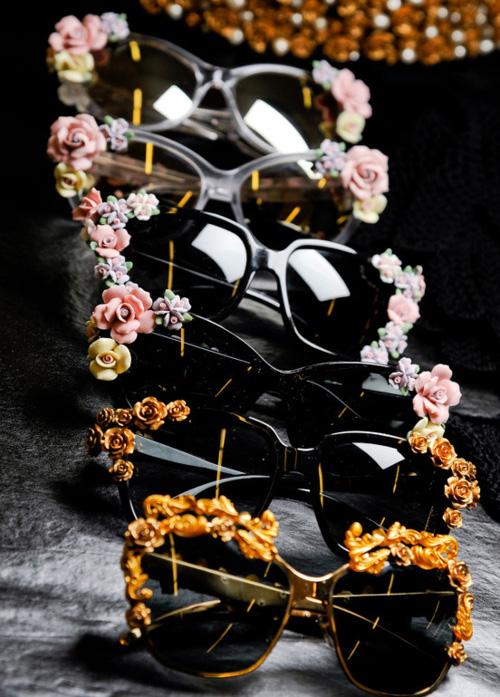 Солнцезащитные очки Dolce   Gabbana 2012 на Миланской неделе моды ... d3dee467f7b
